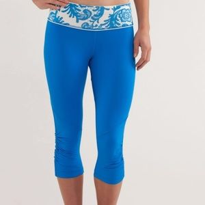 Lululemon Run for your life laceoflage blue crop 2